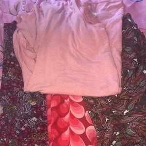 Lularoe large perfect tee and TC leggings
